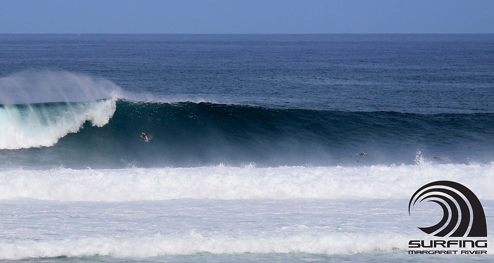 big swell waves margaret river surfers point