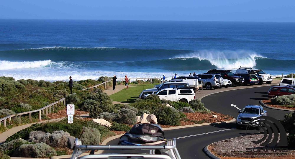 Mainbreak Surfers Point Autumn
