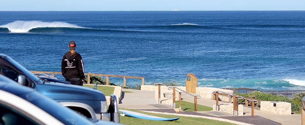 bombie, surfers point