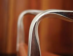 Aurelius Lounge chair closeup zele 11x8.5
