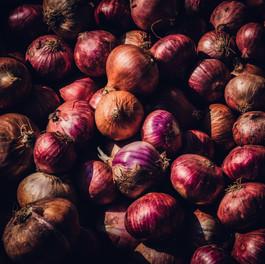 Rote Zwiebeln.