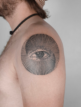 Oeil - Tatouage de dessin au trait Black House Tattoo