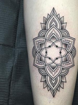 Dotwork tattoo - Black House Tattoo Prague - tattoo for women - tattoo for men - calf - mandala