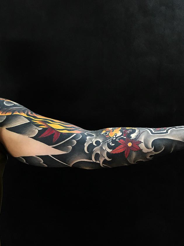 Tatouages japonais - Black House Tattoo Prague - pour homme - pour femme - manche pour homme - laine japonaise