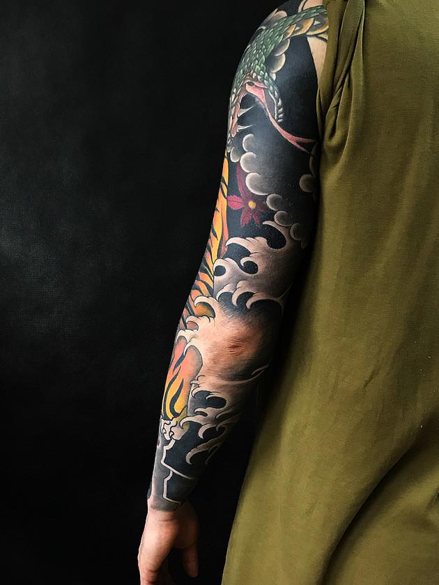 Tatouages japonais - Black House Tattoo Prague - pour homme - pour femme - dragon et tigre