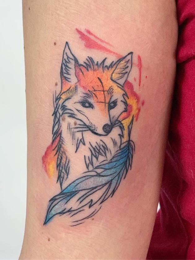 tatouage à la main - tatouages aquarelle - tatouages aquarelle - tatouage maison noire prague