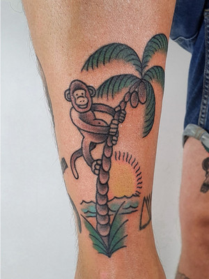 monkey on palm tree - oldschool tattoo - black house tattoo prague