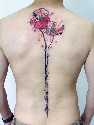poppy flower typing - watercolor tattoos - watercolor tattoos - black house tattoo prague