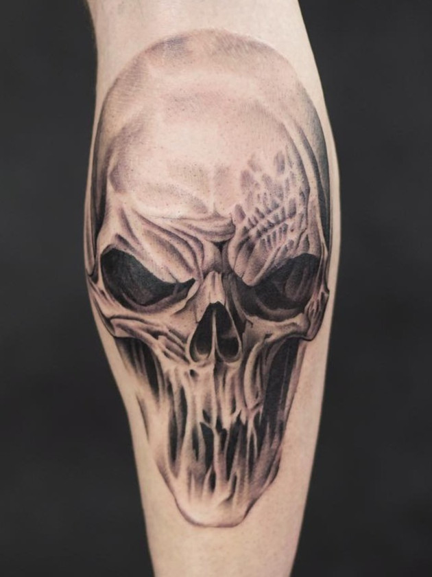 Biomechanical tattoo Prague, Black House Tattoo, skull, calf