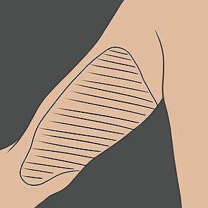 Tetování na vnitřní stranu bicepse