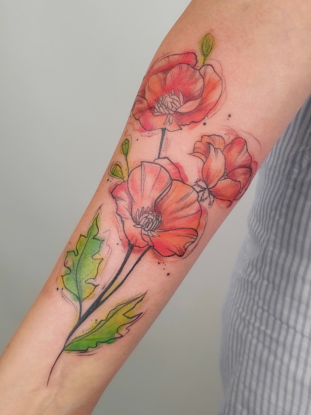 poppy flowers forearms - watercolor tattoos - watercolor tattoos - black house tattoo prague