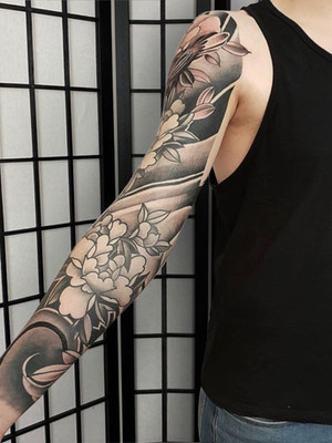 Tattoo sleeve with peonies Dragon back tattoo - Japanese tattoo - Black House Tattoo Prague - tattoo for men - tattoo for women