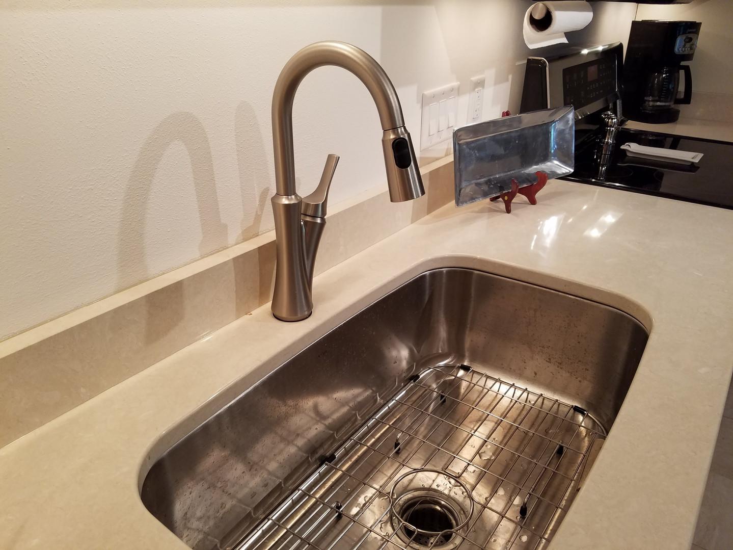 New Stainless Sink & Quartz Tops