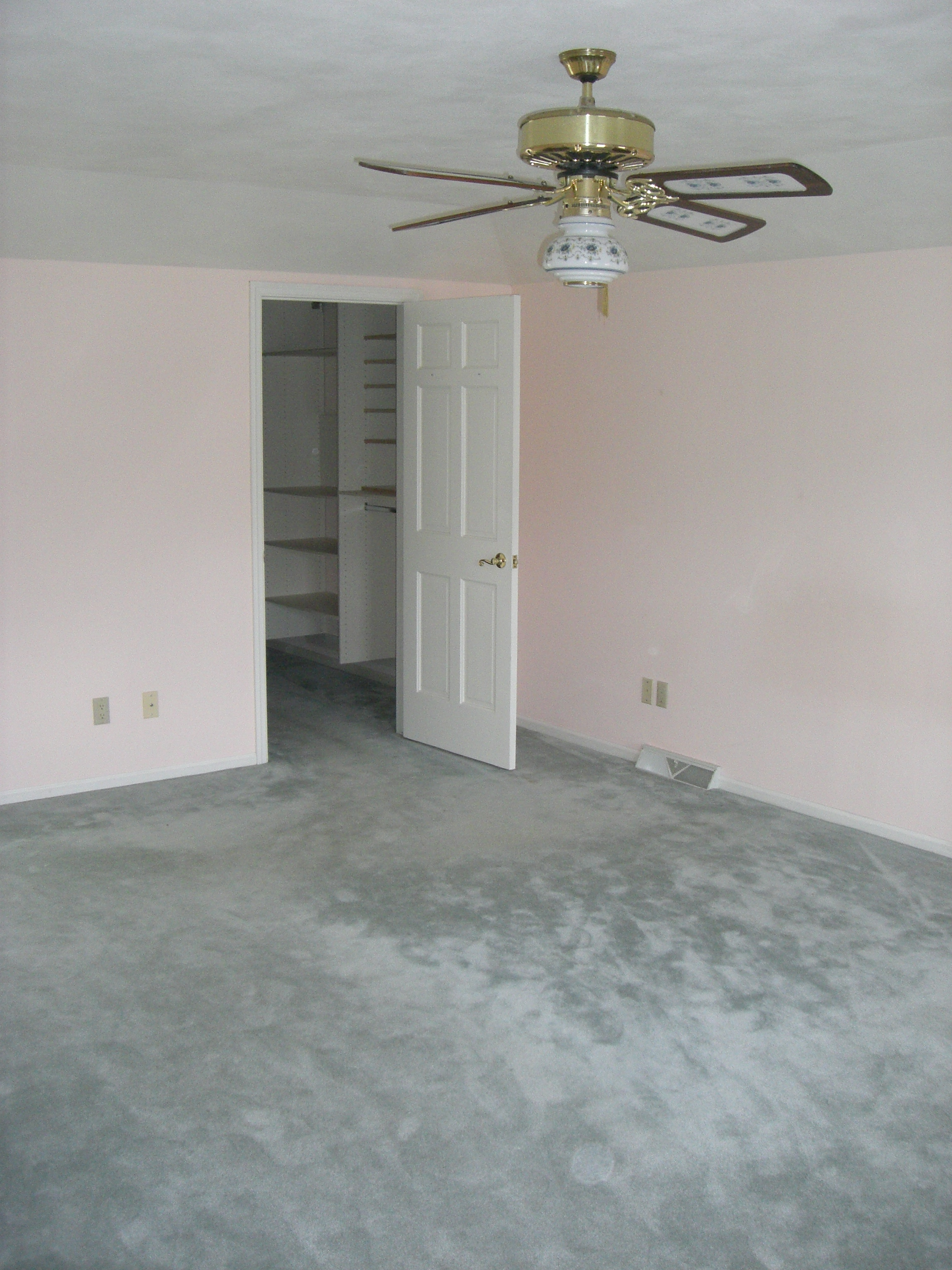 Teal Carpeting & Pink Walls Oh My!