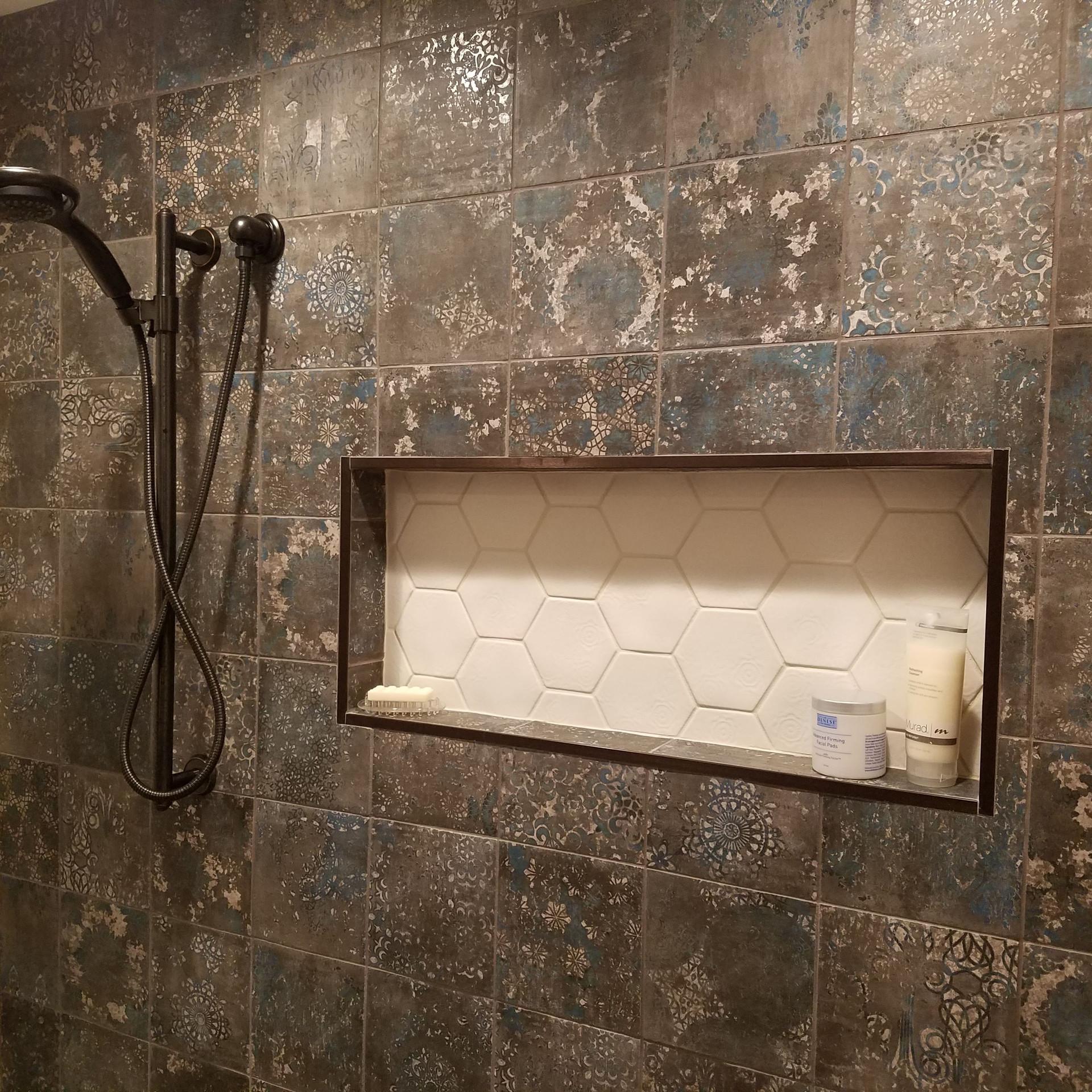 Accented Shower Niche