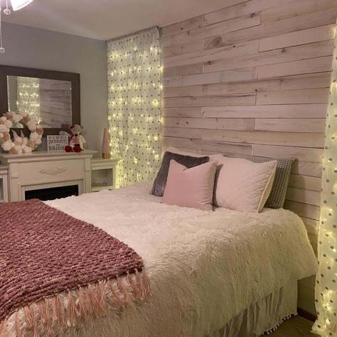 Furry Cream Comfortor & Velvet Pillows