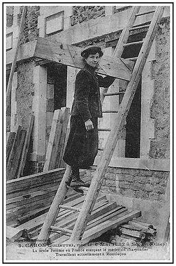 Ce dur métier était et reste exercé principalement par des hommes. Toutefois, la première femme l'ayant exercé au début du XX siècle, s'appelait Juliette Caron née le 6 mai 1882 à Senlis (Oise).