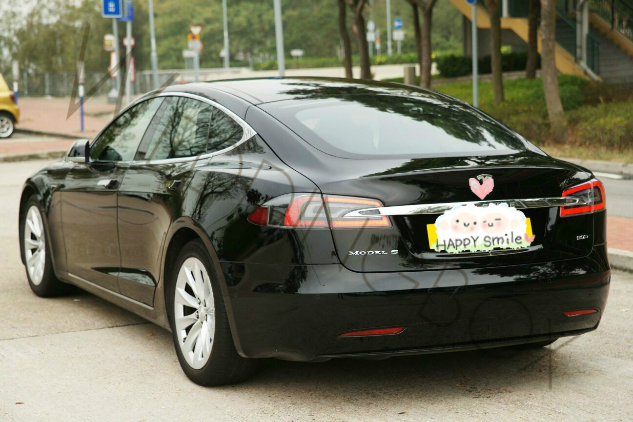 Tesla S 黑色