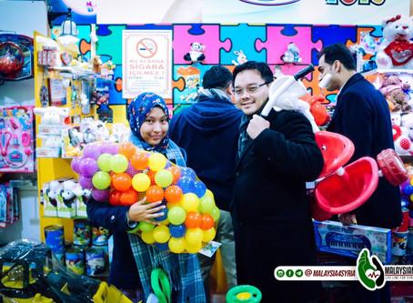 Tim MLLFS Gagahkan Diri Untuk Membeli Hadiah Untuk Anak-Anak Syria