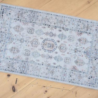 moroccan print rug  qty. 1