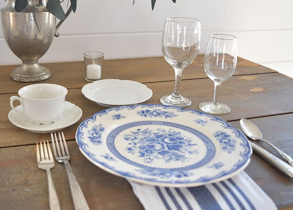 wedding rentals mismatched china
