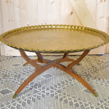 midcentury brass coffee table (tray top is removeable)  tray only 60. tray with base 100.  qty. 1
