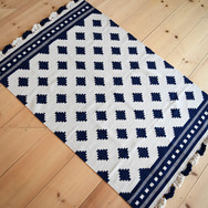 navy and natural 4x6 rug with scalloped fringe edges  qty. 1