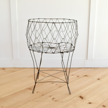 vintage laundry basket  20.  qty. 1