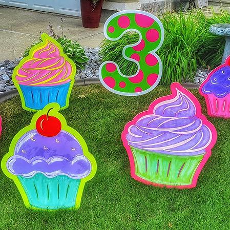 lawn birthday signs