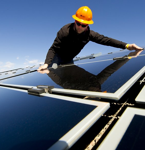 solar-panel-worker3-color.png
