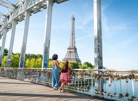 Paris Photo shoots: most popular places and itineraries