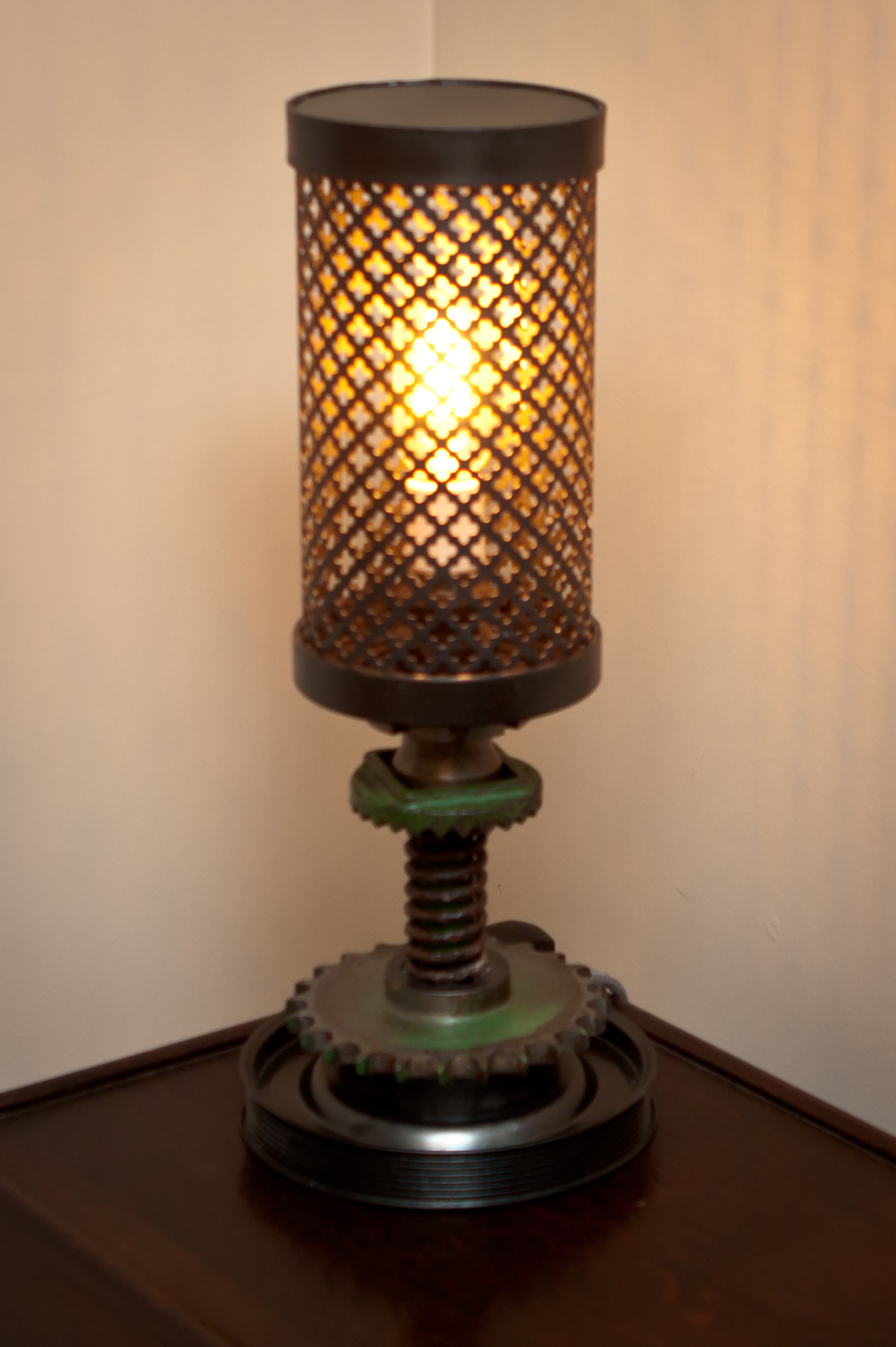 greengearssteampunklamp