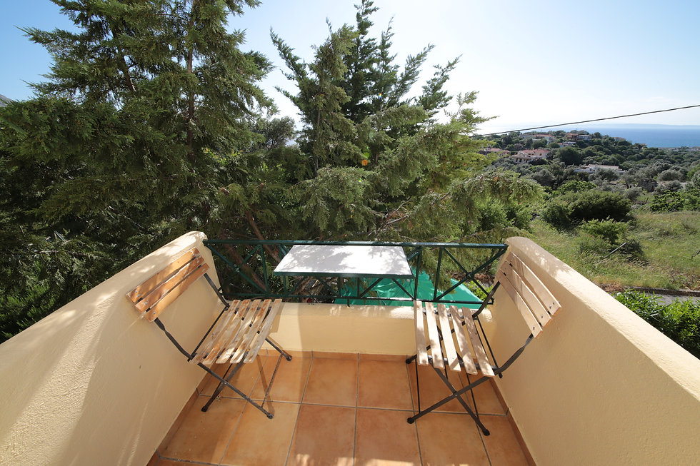 balcony with view at the sea and the area around the property