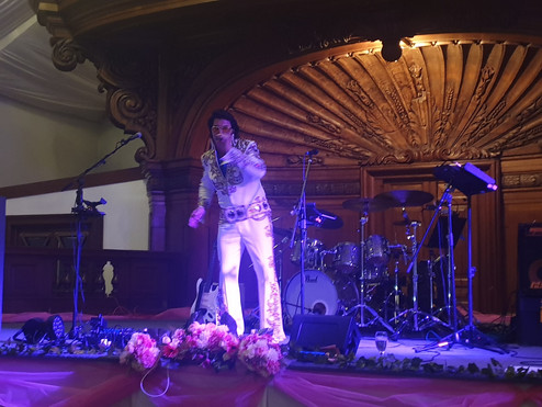 Elvis.jpg