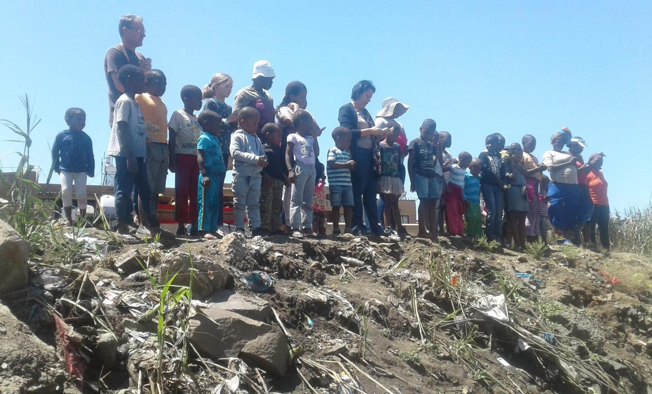 Hennops River Restoration and Clean Up Campaign - Lewende Woord praying for the river