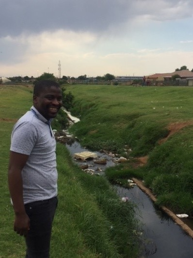 The litter along the Sedibeng stream increased as we followed it downstream. The bridge at Freedom Drive, which had been cleared of litter on Mandela Day was again blocked up with litter.