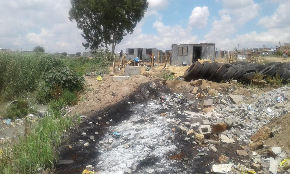 Kaalfontein - the riverside land-grab and dumping is continuing at an enormous scale.