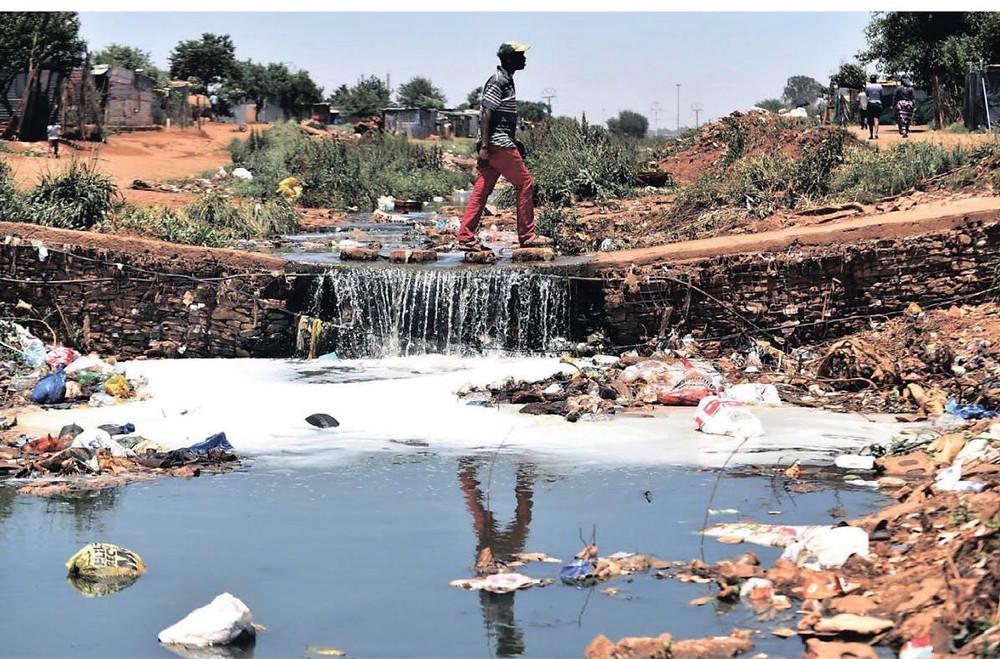 Hennops River battling 'pure evil rotten sludge'