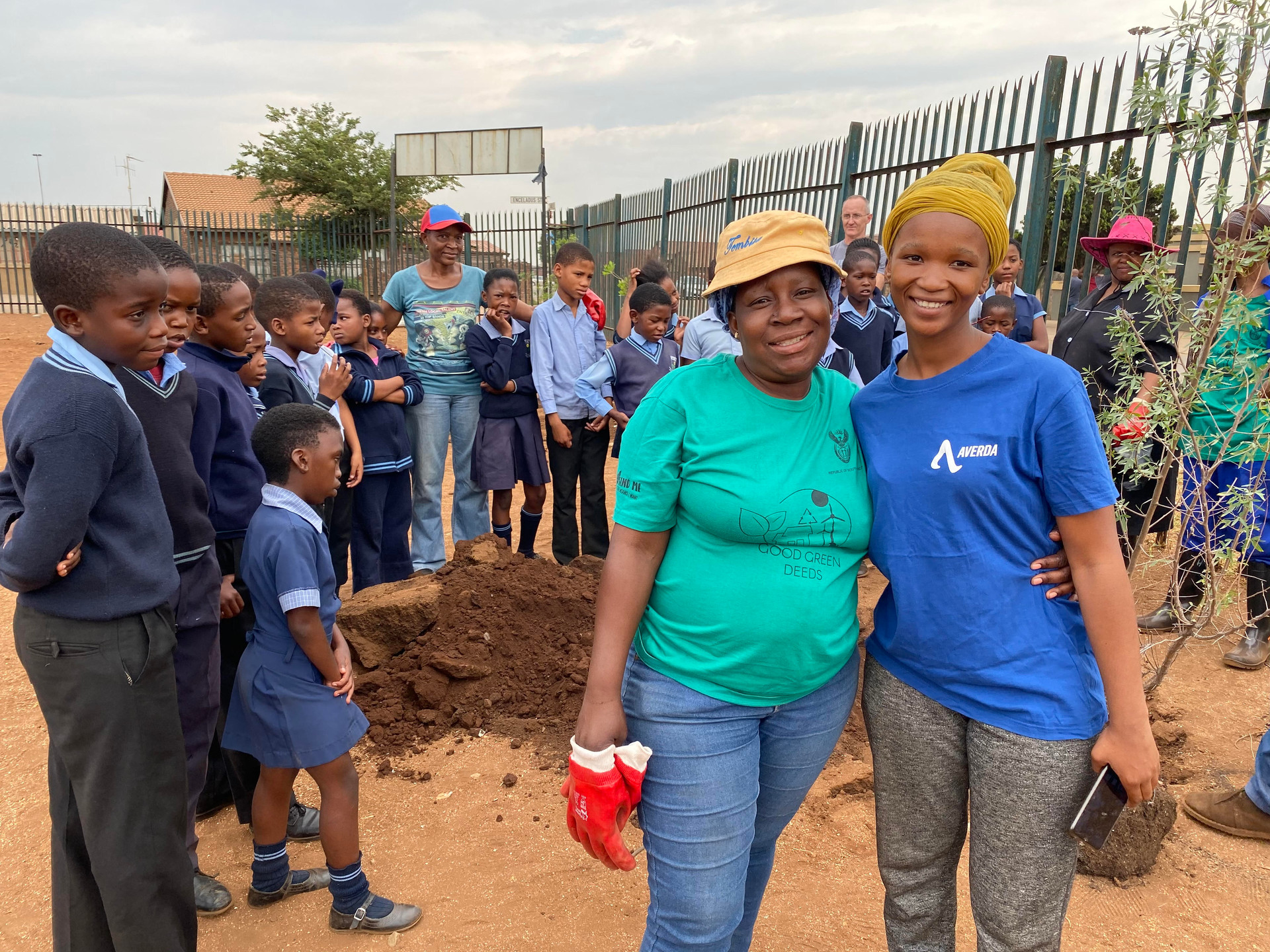 Trees, big hearts, seagulls and another AREHLWEKISENG clean