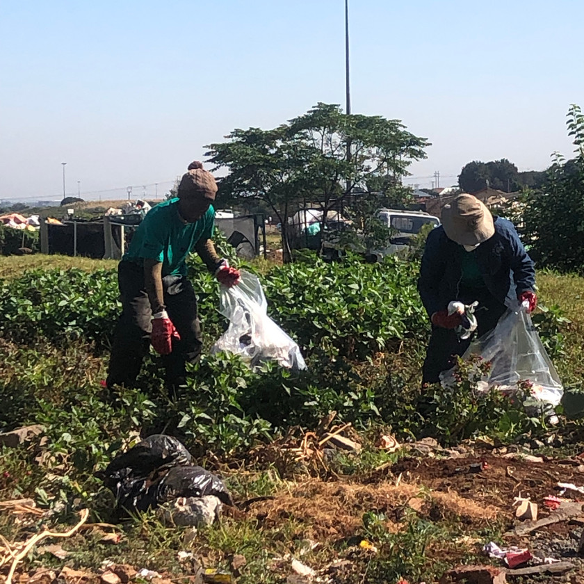 Cleaning the Sedibeng Stream in Tembisa - 29 March 2019