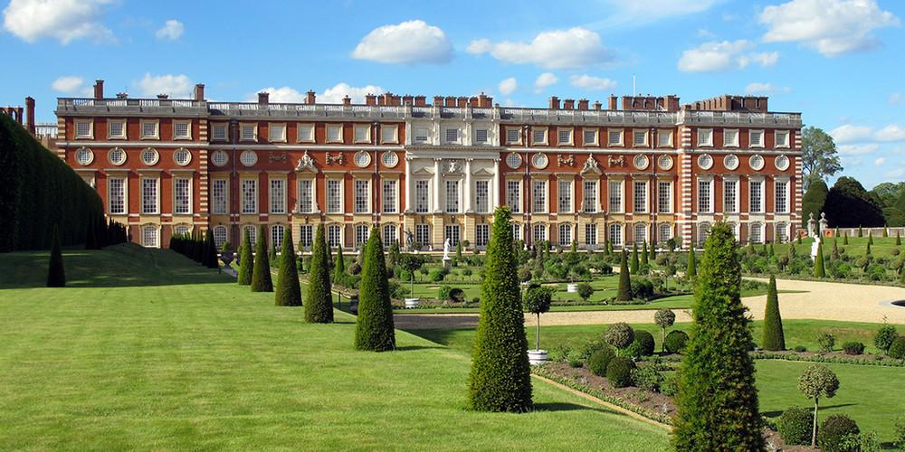 Hampton-Court-Palace.jpg