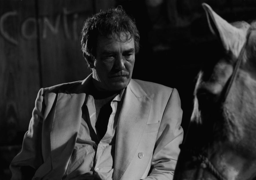 Albert Finney en el Set de Bajo el Volcán, 1985