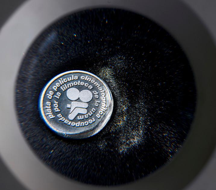 Medalla Conmemorativa hecha con plata proveniente de películas antiguas
