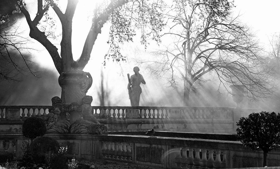Statue divine aux jardins de la fontaine