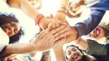 Team Zusammenarbeit fördern auf unseren Teambuilding Akivitäten für Gruppenreisen und Betriebsausflüge. www.malagacityadventure.com/gruppen-reisen-aktivitaeten