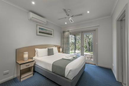 Hahndorf 2-Bedroom bedroom.jpg
