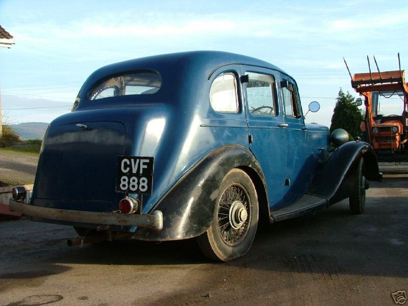 11) Daimler 6-light Saloon CVF888 J.Kink