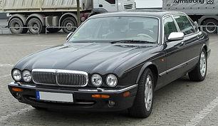 Daimler Super V8 (X308)1997-2003.jpg