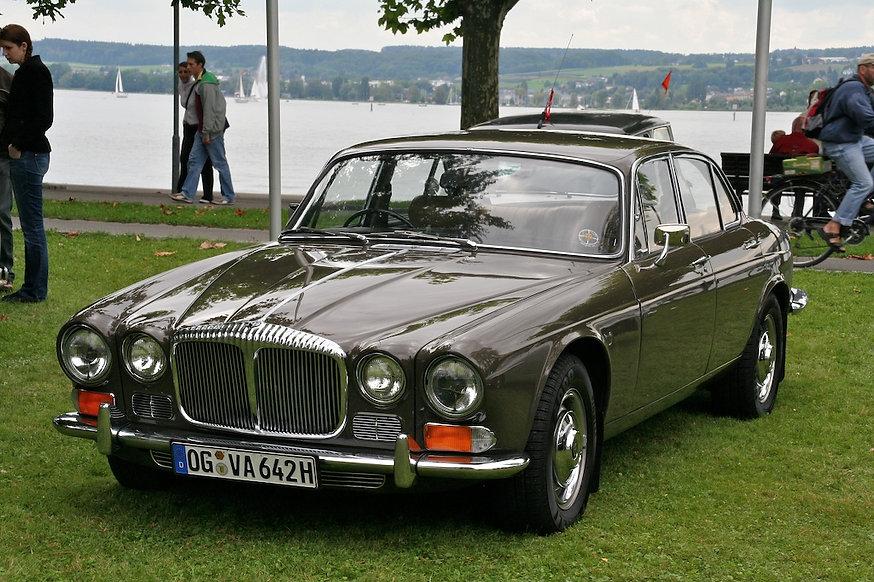Series 1 Daimler Sovereign1972.jpg