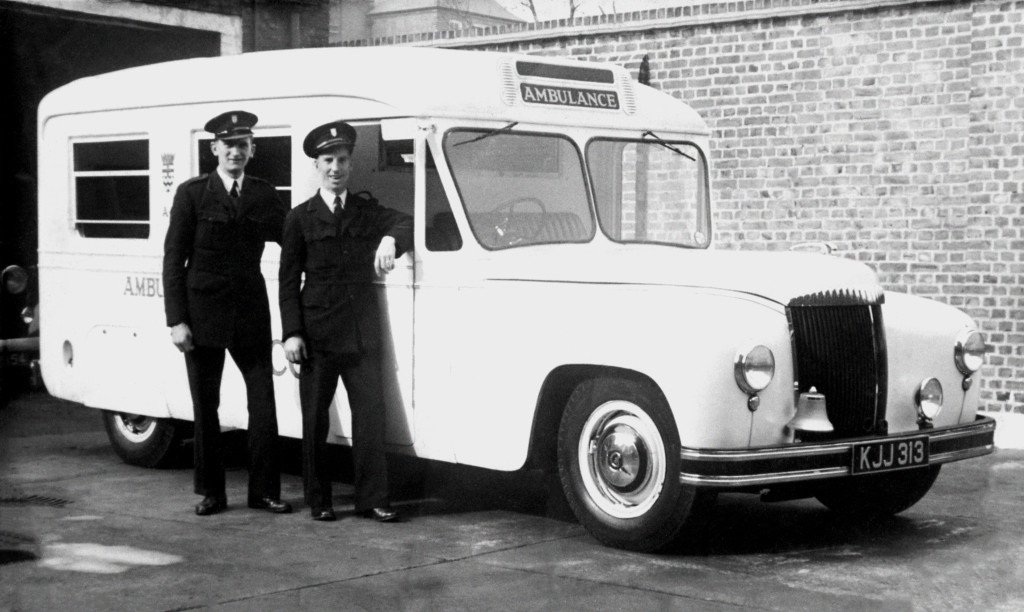 Daimler DC27 Wandsworth Ambulance Hooper